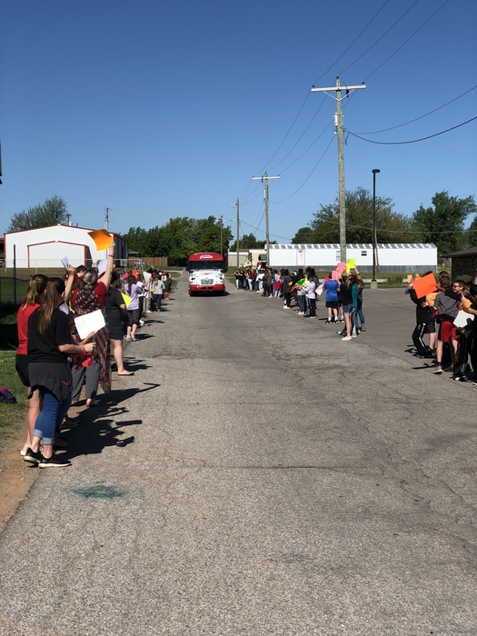 Proud day to be a COMET!!! Middle School students were an awesome cheering squad this morning!! The kids made signs and went out to cheer on Coach Hannah and our softball girls as they head off to REGIONALS!!! Good luck coach and girls! We believe in you! #HOKComets #TakeRegionals #HintonSoftball
