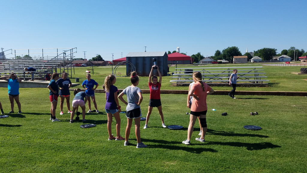 Middle School Athletes working hard and getting stronger at summer workouts! So great to see their dedication and hard work. They will go far! #HOKComets #HOKMiddleSchool