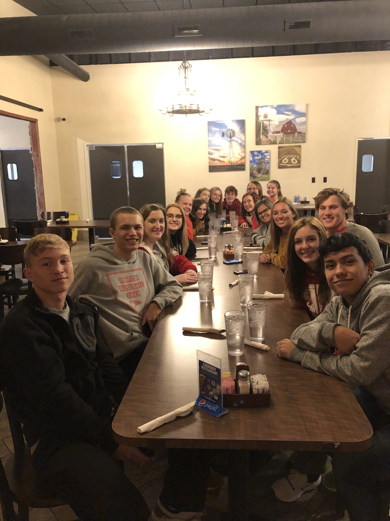 HS BETA CLUB MEMBERS CELEBRATING AFTER THEY WORKED ON TUESDAY TO HELP AT THE HPS THANKSGIVING FEAST. ALL WHO HELPED WERE TREATER TO LUNCH AT ROCK'S AND DESSERT AT THE CHEROKEE RESTAURANT.  THANK YOU BETA CLUB! YOU ARE APPRECIATED!